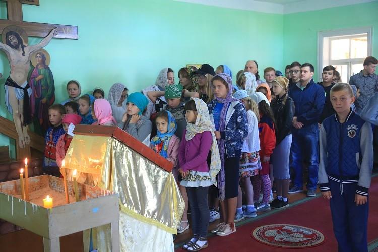 Воскресная Божественная литургия совершена в летней православной школе «Дружба»