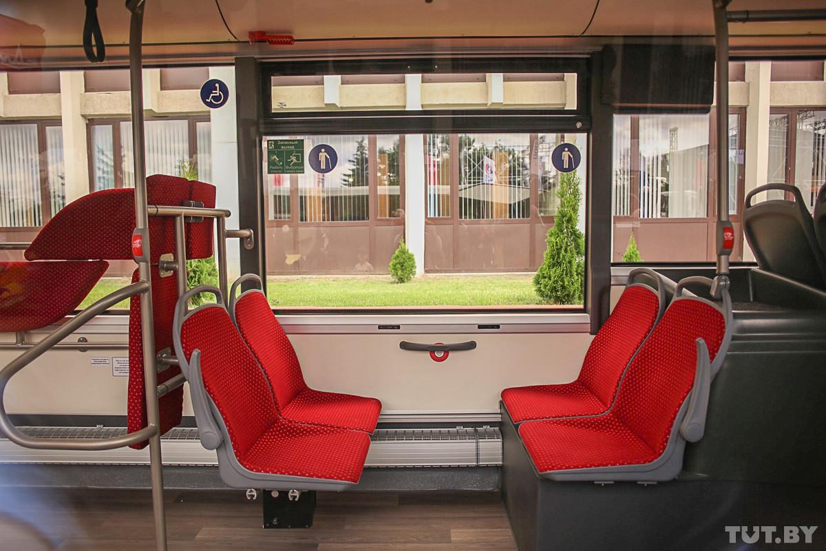 МАЗ показал городской автобус третьего поколения с кондиционером и зарядками USB