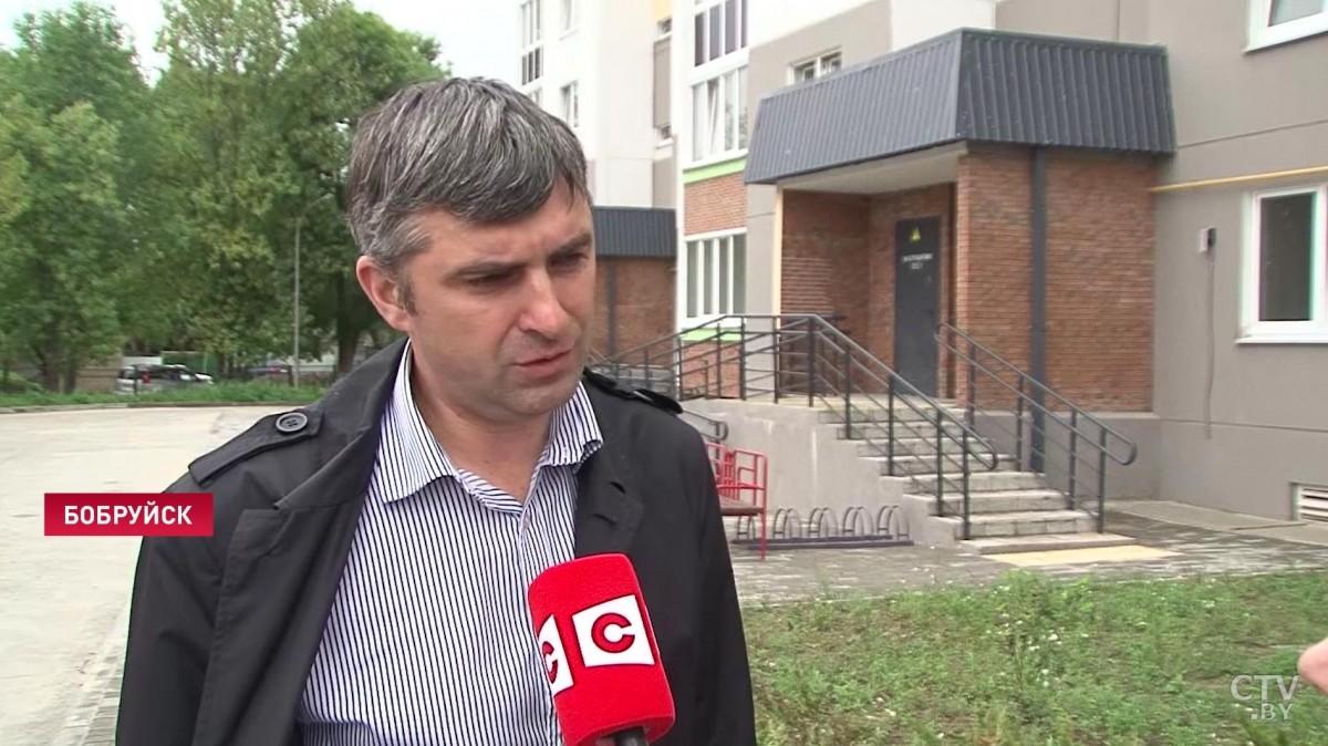 Нет воды и газа, лифты не работают. Многодетные семьи в Бобруйске 4 месяца не могут въехать в новый дом