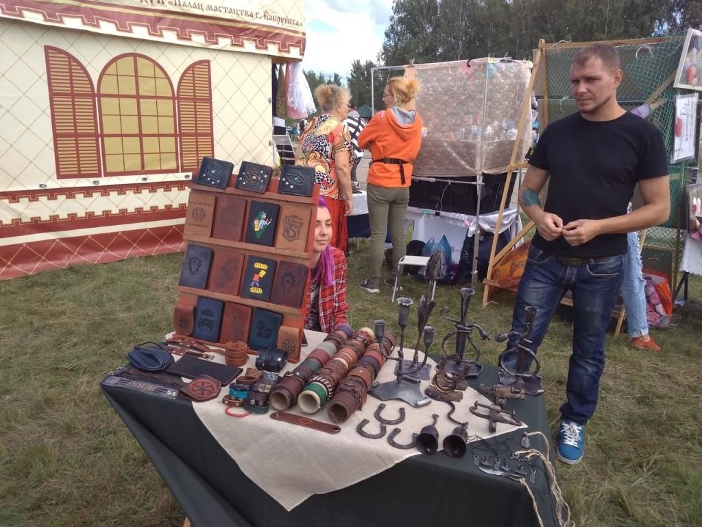 Ярмарка народного творчества на празднике ко Дню ВВС