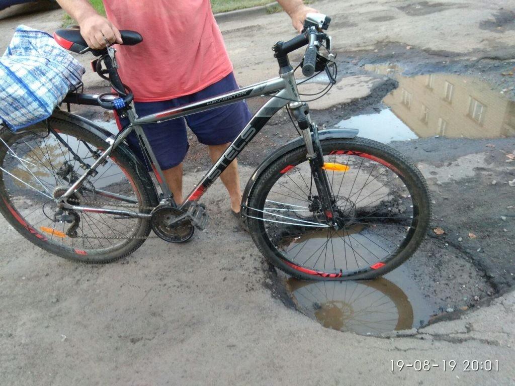 Бобруйск: Убрали асфальт — и ямы на дороге пропали