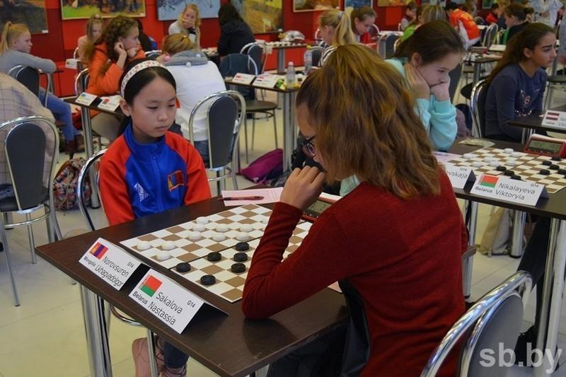 Объявляется набор в секции шашек (с 6-15 лет)