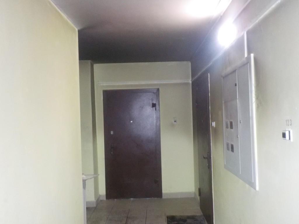 Ночью 8 ноября спасателям поступило сообщение о задымлении в подъезде многоквартирного жилого дома на ул. Семенова в г. Бобруйске.
