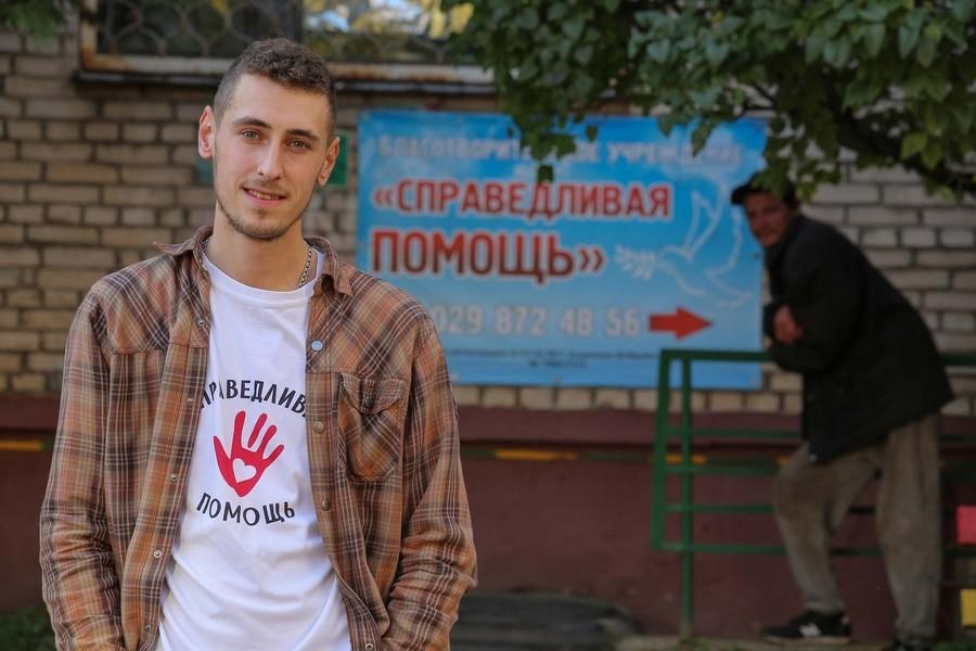 В Бобруйске малоимущим и бездомным одеждой и едой помогает онкобольной земляк