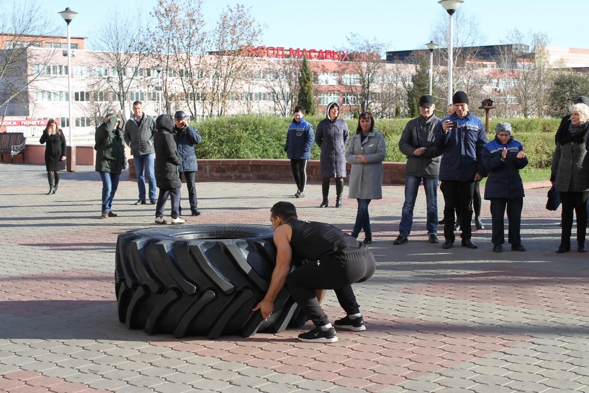 «Схватка» с шиной: шинники ждали рекорда