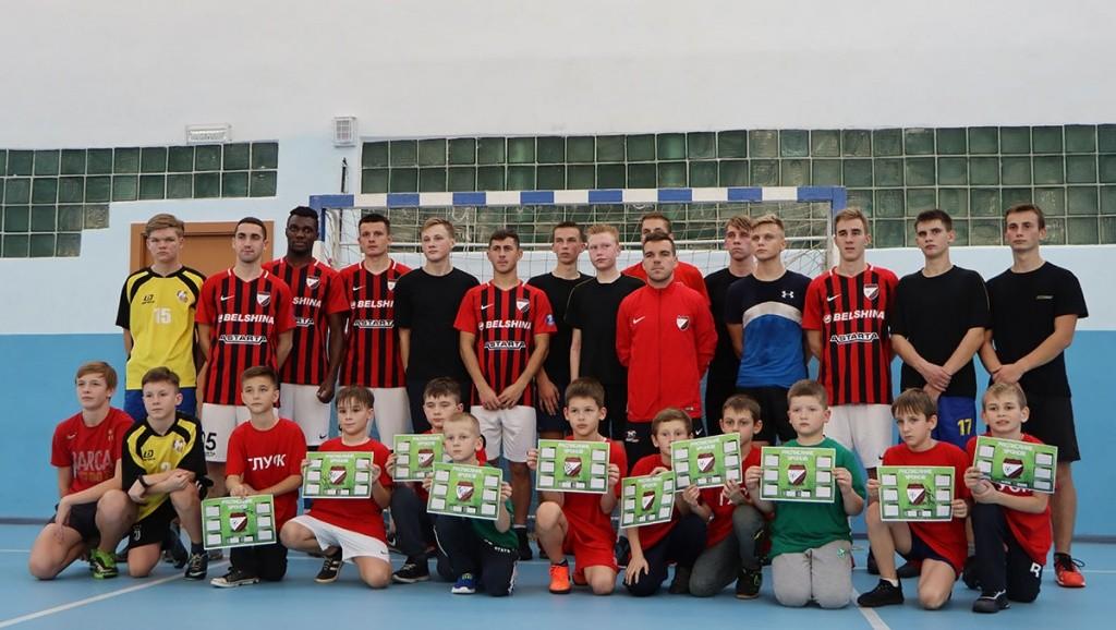Футболисты «Белшины» встретились с глускими гимназистами