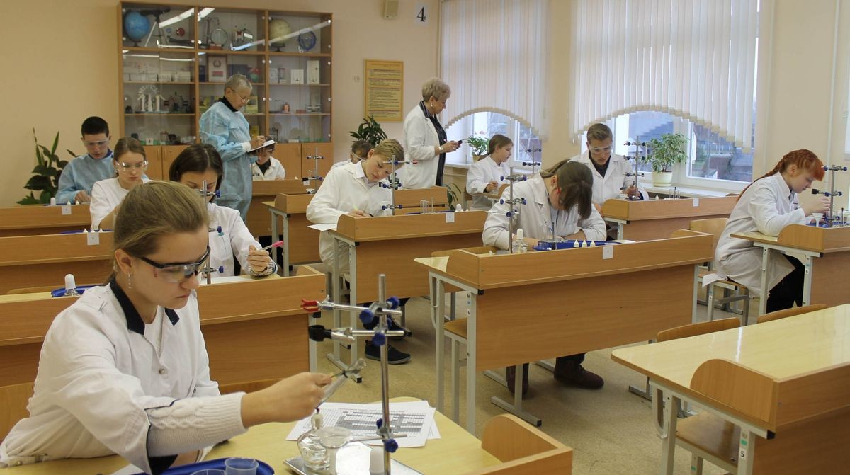 Николай Лукашенко завоевал диплом третьей степени на областной олимпиаде по химии