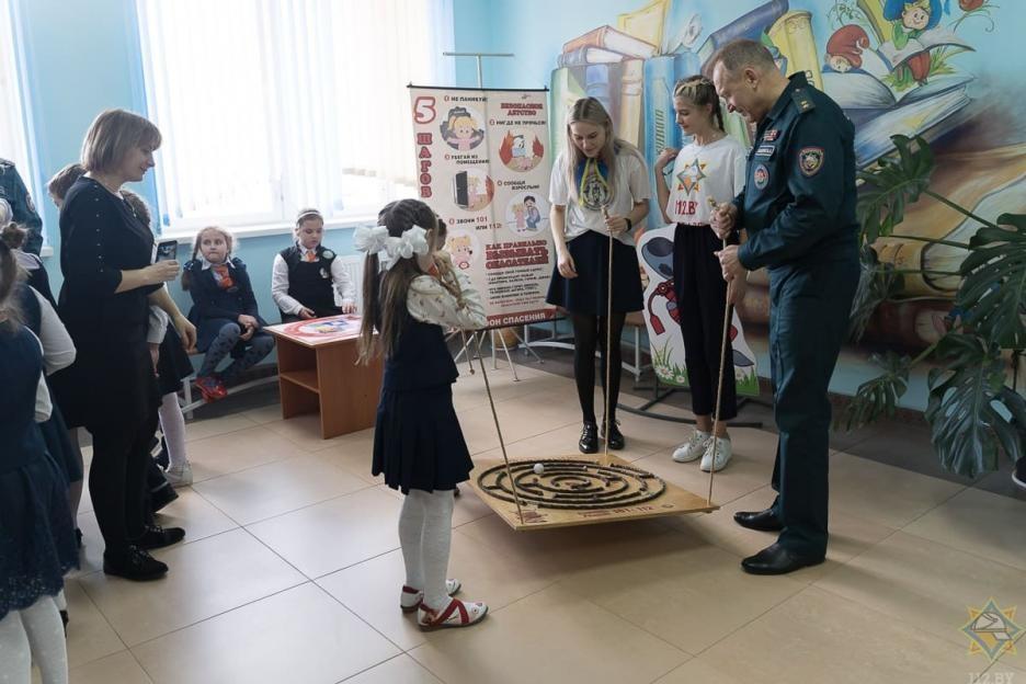 Министр по ЧС встретился со школьниками Бобруйска