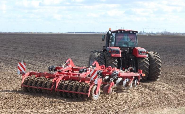 Инновации в обработке почвы: культиватор-дискатор — альтернатива плугу