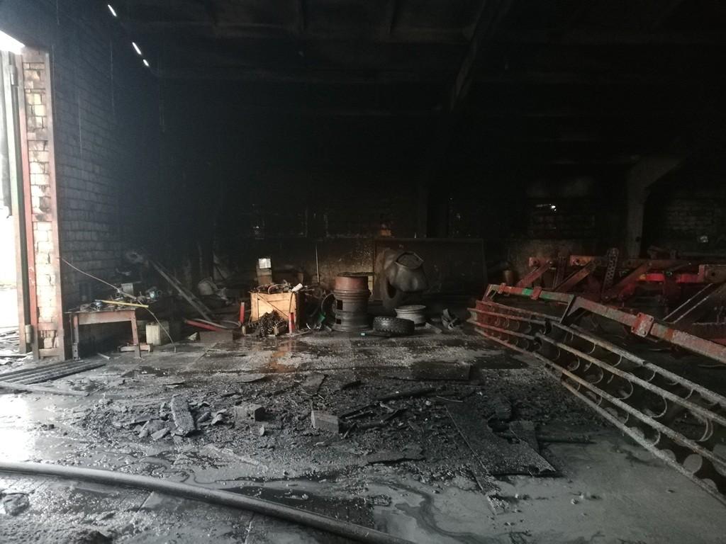 пожар на оао невский-агро сгорели два комбайна