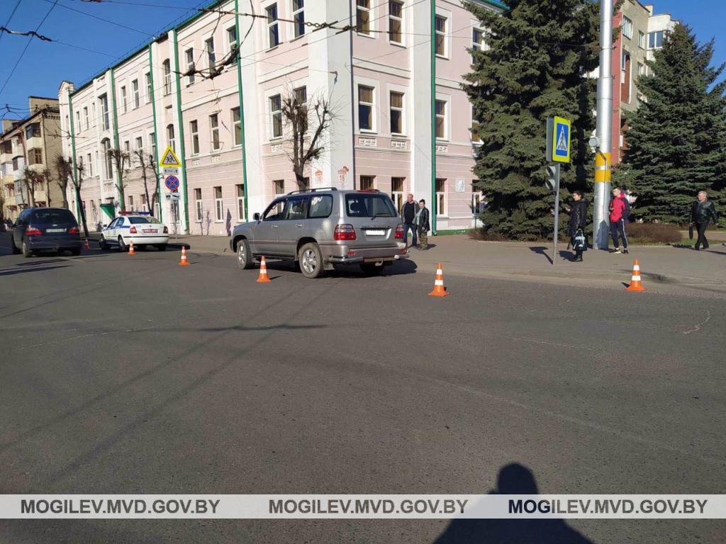 водительница тойоты сбила девушку на пешеходном переходе