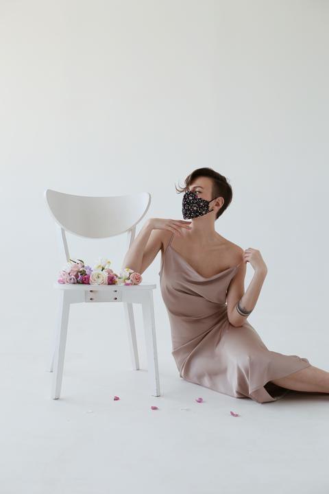 белорусские дизайнеры начали шить маски