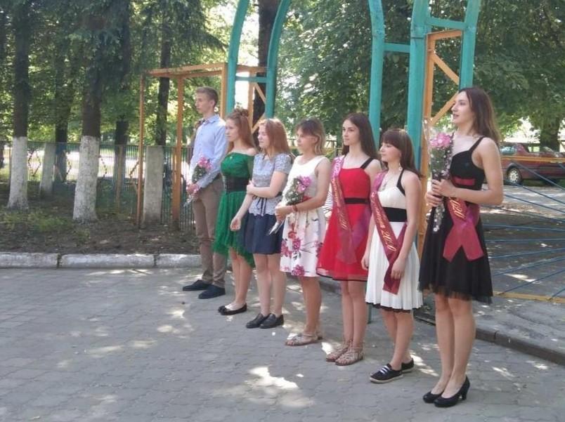 Выпускной-2020. Как одиннадцатиклассники Бобруйского района прощались со школой