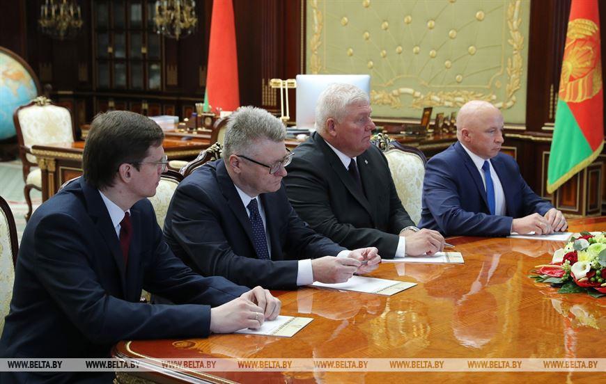 Лукашенко: идет вмешательство из-за рубежа в наши выборы и внутренние дела