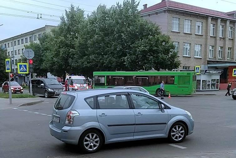 На Интернациональной автобус сбил ребёнка на велосипеде