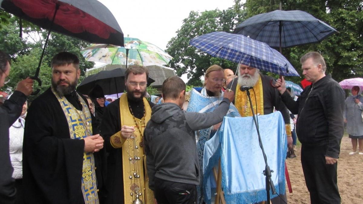https://www.tribunapracy.by/2020/07/s-veroj-i-stremleniem-preodolet-lyubye-tyagoty-vo-slavu-bozhiyu/