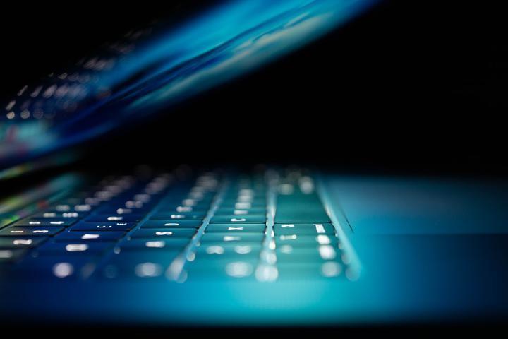 Можно ли заблокировать интернет в Беларуси? А закрыть Telegram? Спросили у IT-эксперта