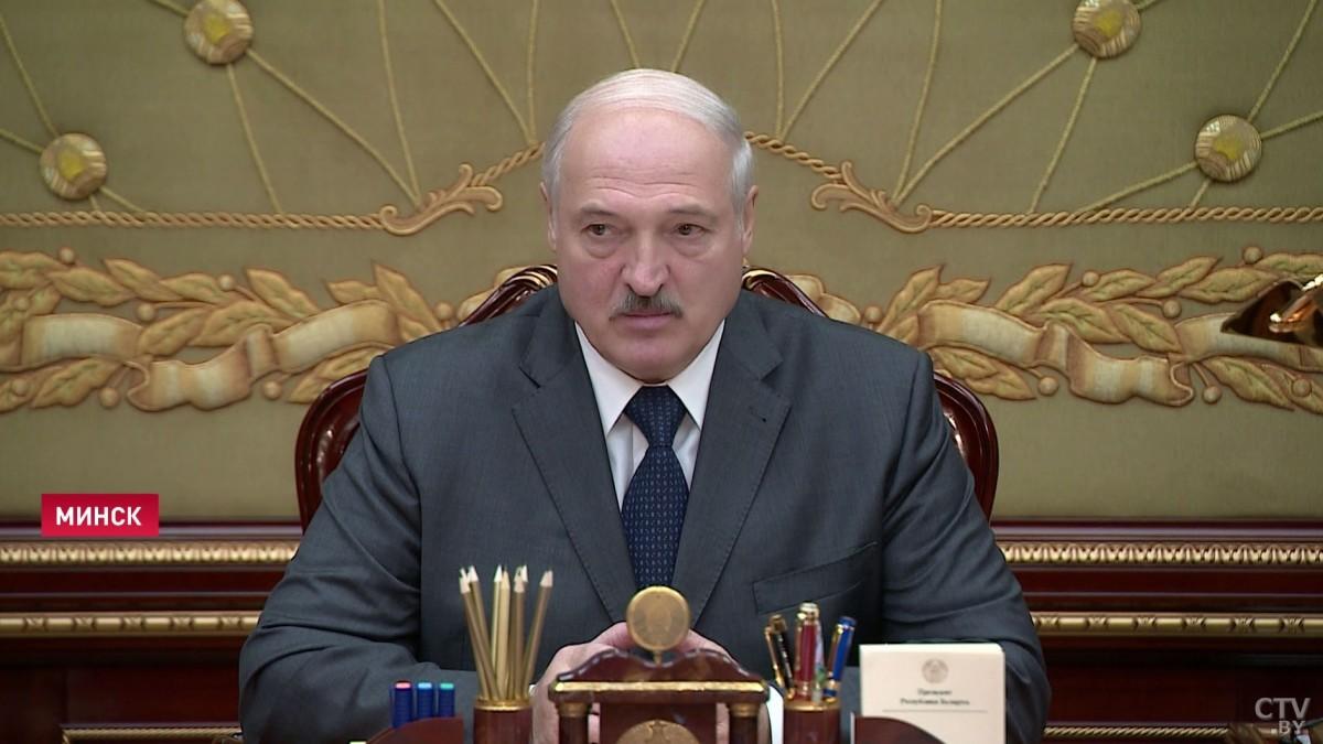 Александр Лукашенко: ветераны оказались фактически опорой нашей государственности. Нельзя их обидеть ни в коем случае