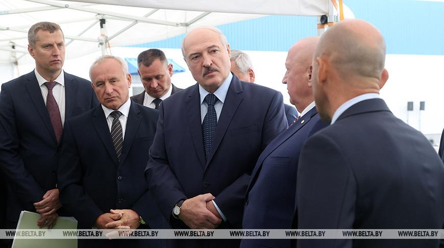 Лукашенко об эффективности работы предприятий: меня волнуют люди