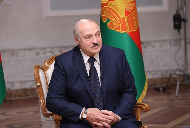 Лукашенко: Если бы сейчас рухнул Лукашенко, рухнула бы вся система и следом покатилась бы и Беларусь