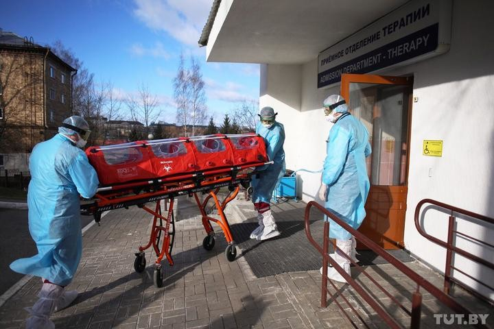 В Беларуси аномально высокая смертность за полгода. Как Беларусь выглядит на фоне других стран и что это может быть