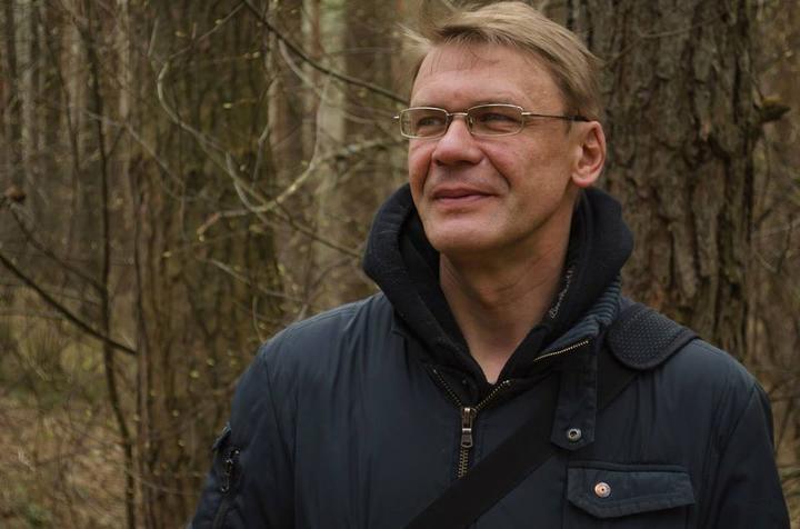 В Витебске суд прекратил дело журналиста, обвиняемого в участии в акции. Судья публично извинилась