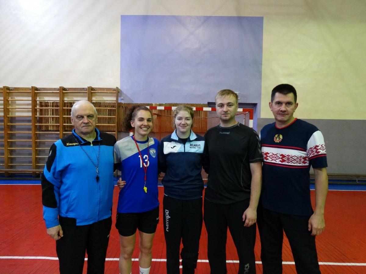 Люди, которыеприручилимяч. В Бобруйске прошла встреча с известным детским тренером по гандболу Анатолием Фильковым