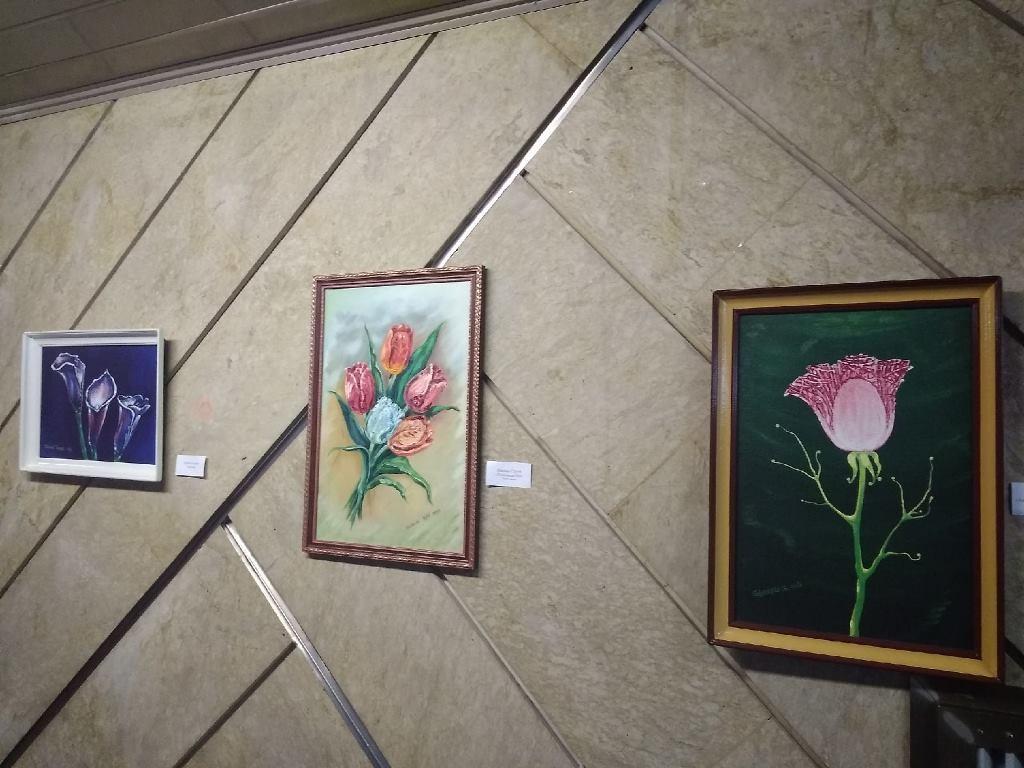 Во Дворце искусств проходит выставка «Вдохновение творчеством»