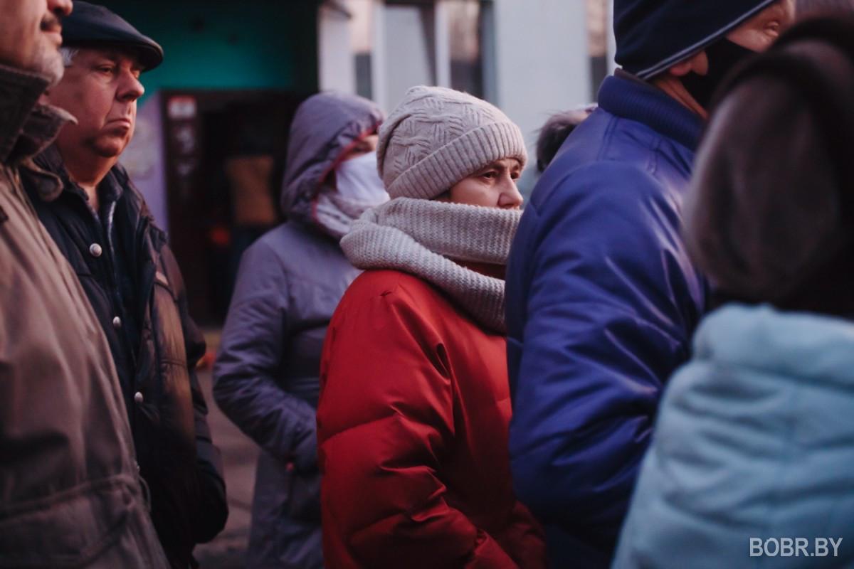"""""""Как будто нам посмеялись в лицо"""". На улице Рокоссовского №40 состоялась встреча с представителями горисполкома"""