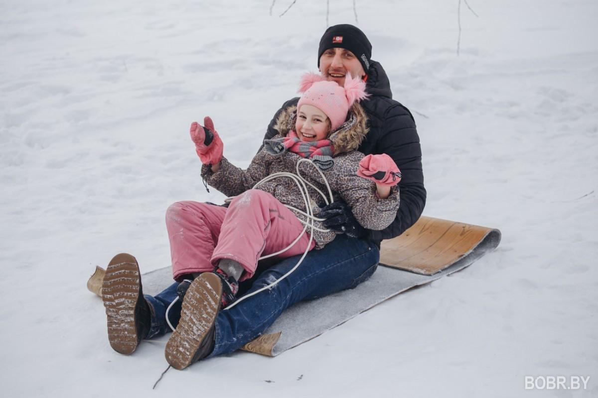 Катаемся на лыжах и коньках в морозное воскресенье. Фотопрогулка