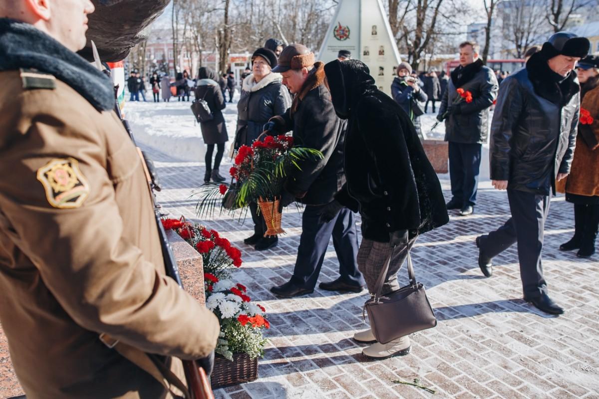 В Бобруйске возложили цветы в память о воинах-интернационалистах