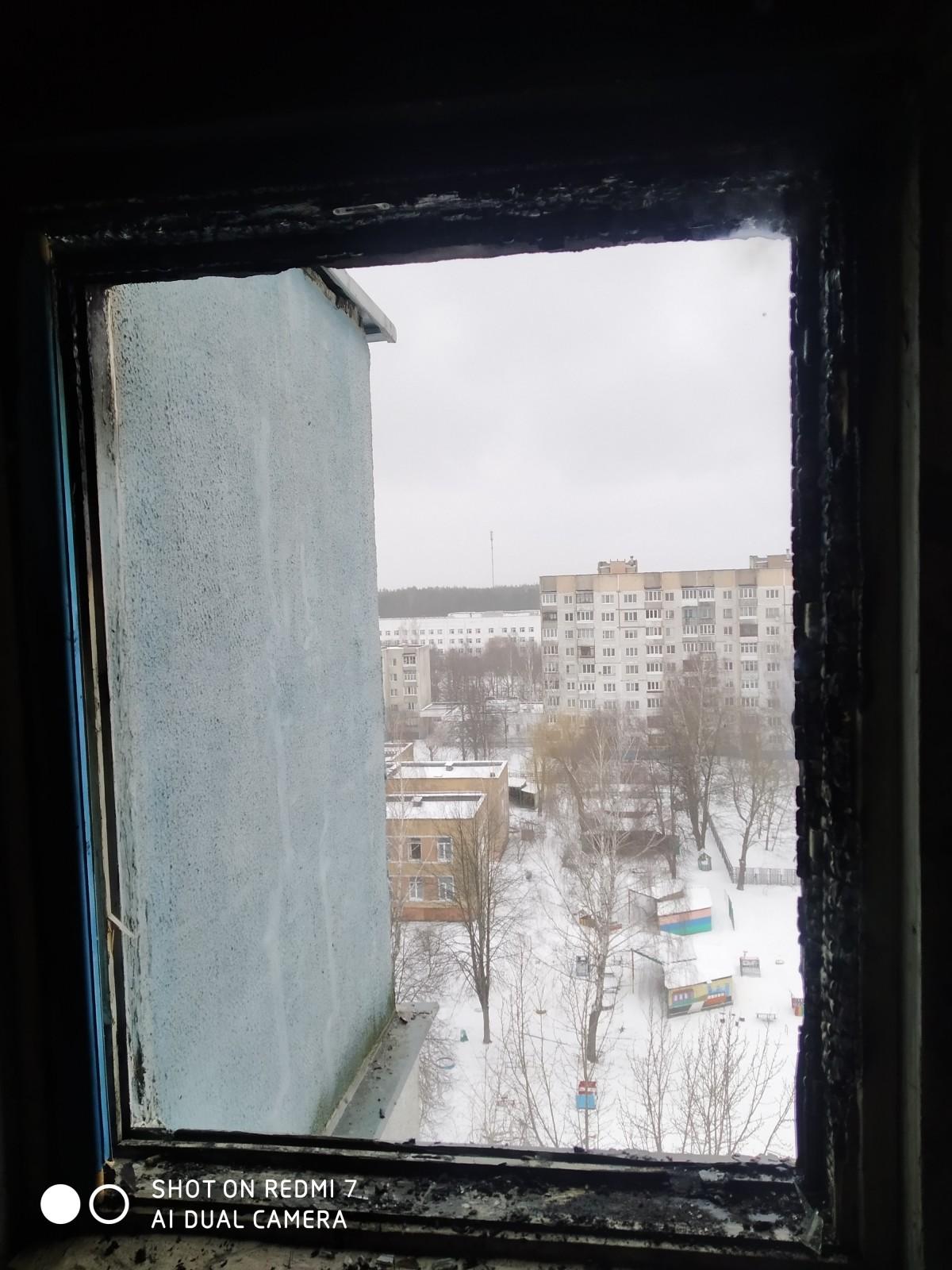 Горели оконная рама и баня: за один день в Бобруйске произошло два пожара