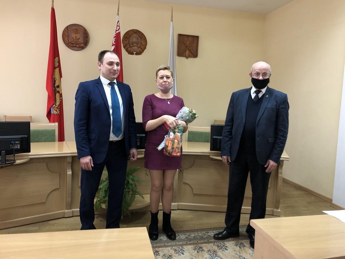 В Ленинском районе Бобруйска многодетным матерям вручили ордена