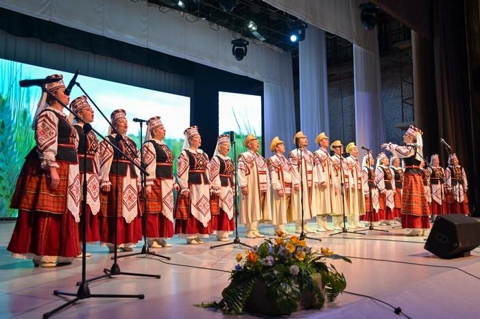 Народный ансамбль танца «Юность» и народный хор имени Балаханова –  подтвердили свои звания