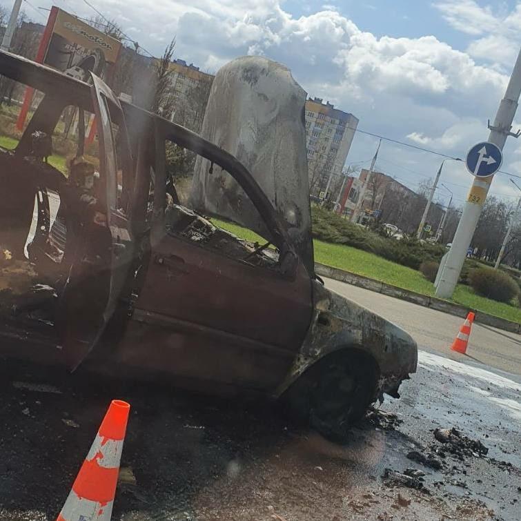 В Бобруйске горел Volkswagen. Фотофакт