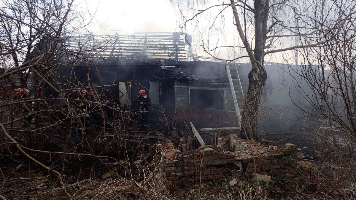 В Бобруйске горел нежилой дом