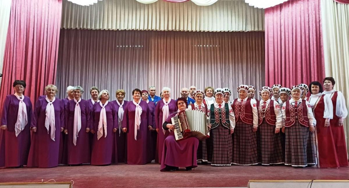 «Песни которые нас объединяют». Коллективы Бобруйска выступили с отчетными концертами