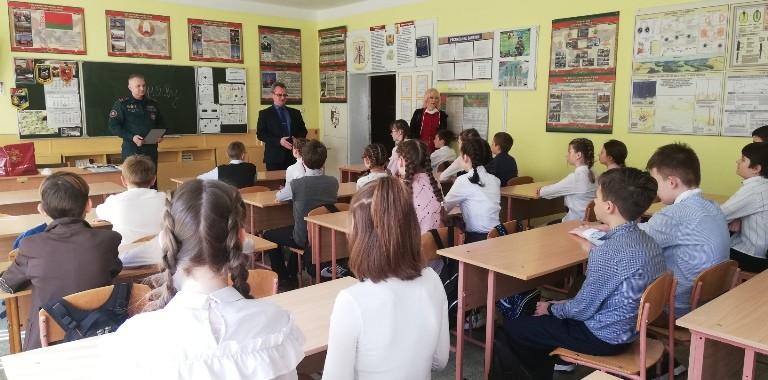 Шестиклассница из Бобруйска помогла спасти человека