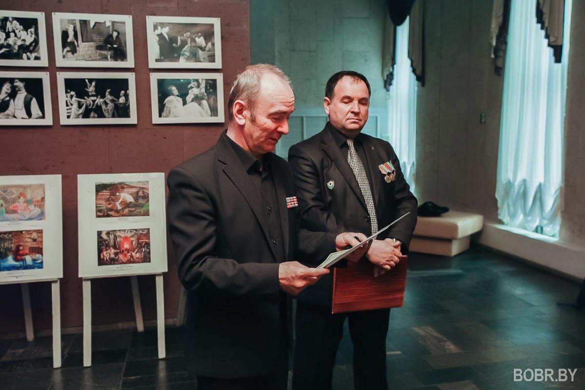 Временная экспозиция работ юных художников Беларуси и России представлена в театре им. В.И. Днина-Марцинкевича