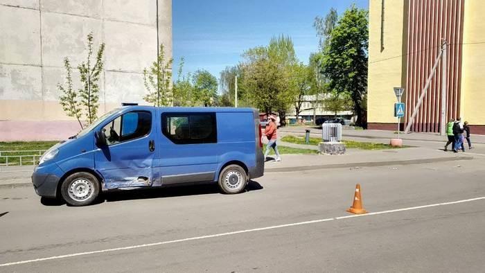 В Бобруйске, в результате столкновения двух автомобилей, пассажирка попала в больницу