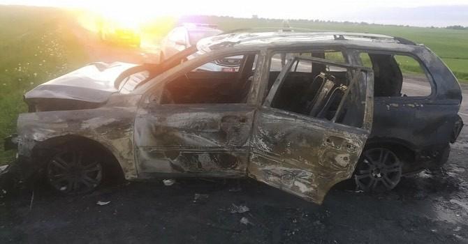 В Мстиславском районе в результате ДТП автомобиль разорвало на две части