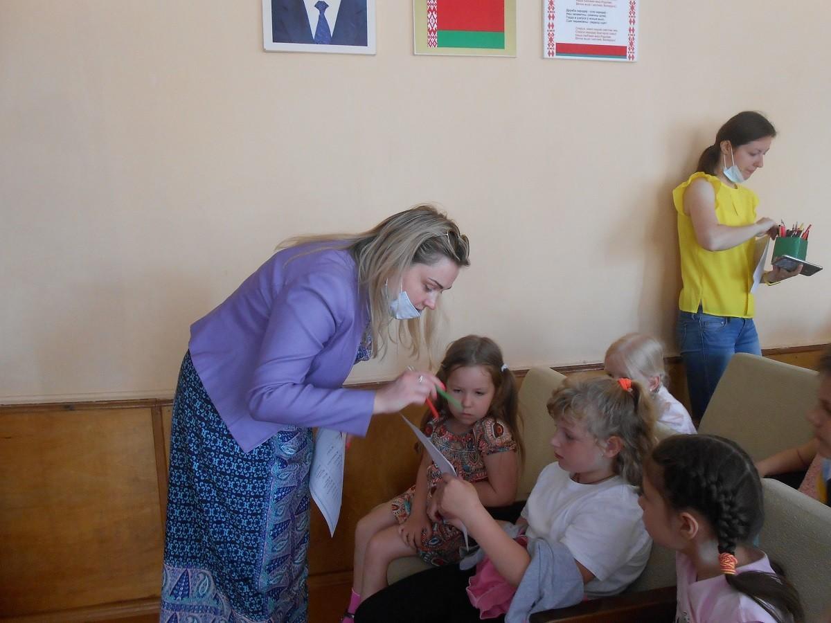 В школьных лагерях Бобруйска проводится информационно-игровая программа «Скажем здоровью — Да!»