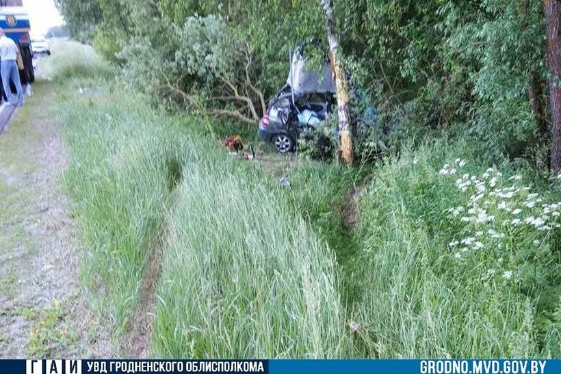 Трагедия под Мостами: в ДТП погибли две школьницы, они ехали на выпускной вечер