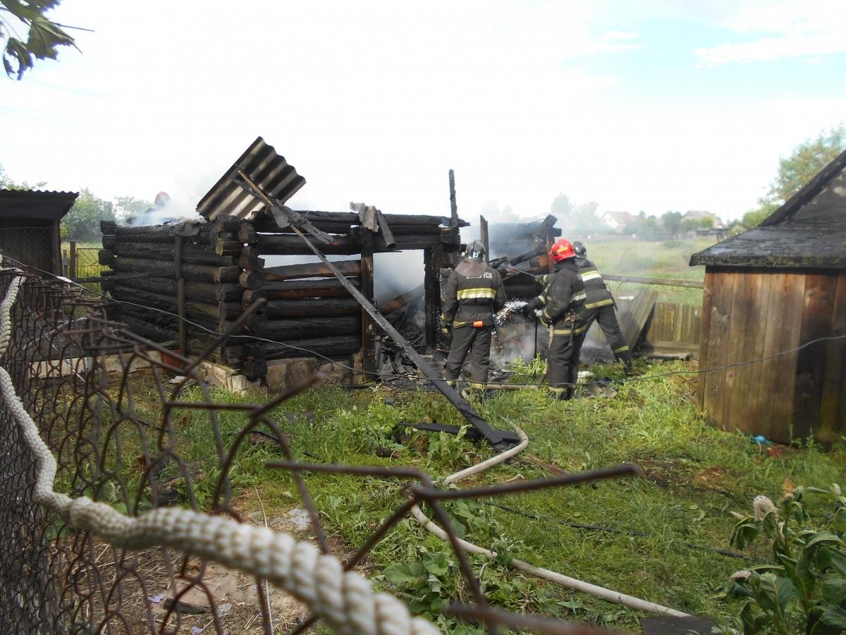 В деревне Стасевка Бобруйского района горела хозпостройка
