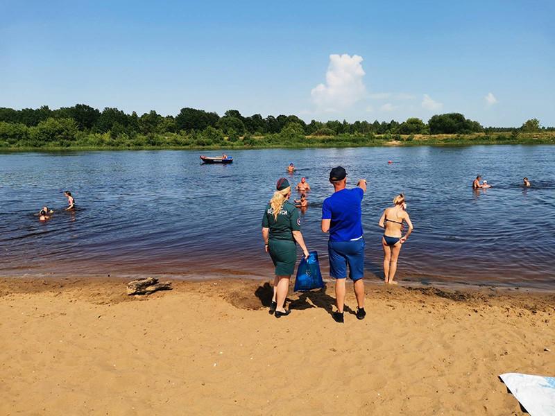 «Плавание на надувных предметах чрезвычайно опасно»: МЧС и ОСВОД провели рейды по пляжам бобруйщины