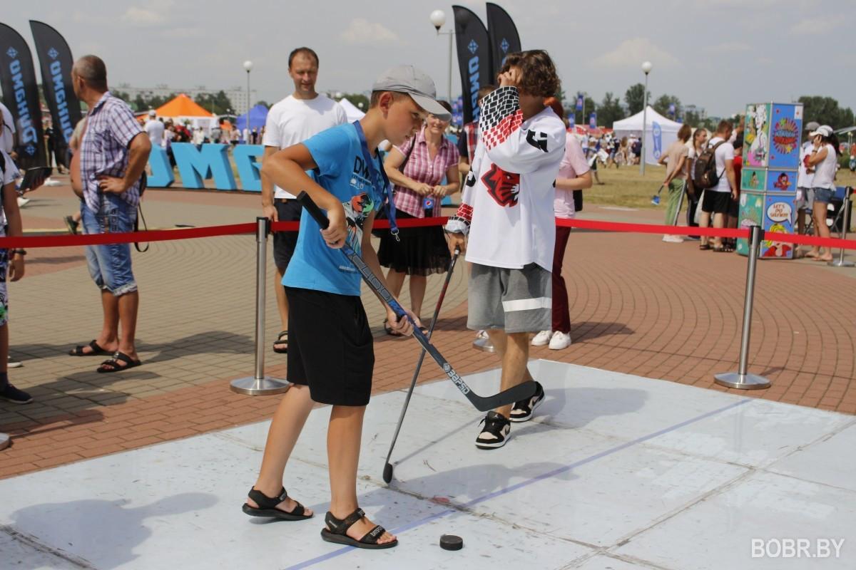 """Возле СК """"Бобруйск-Арена"""" состоялся культурно-спортивный фестиваль"""