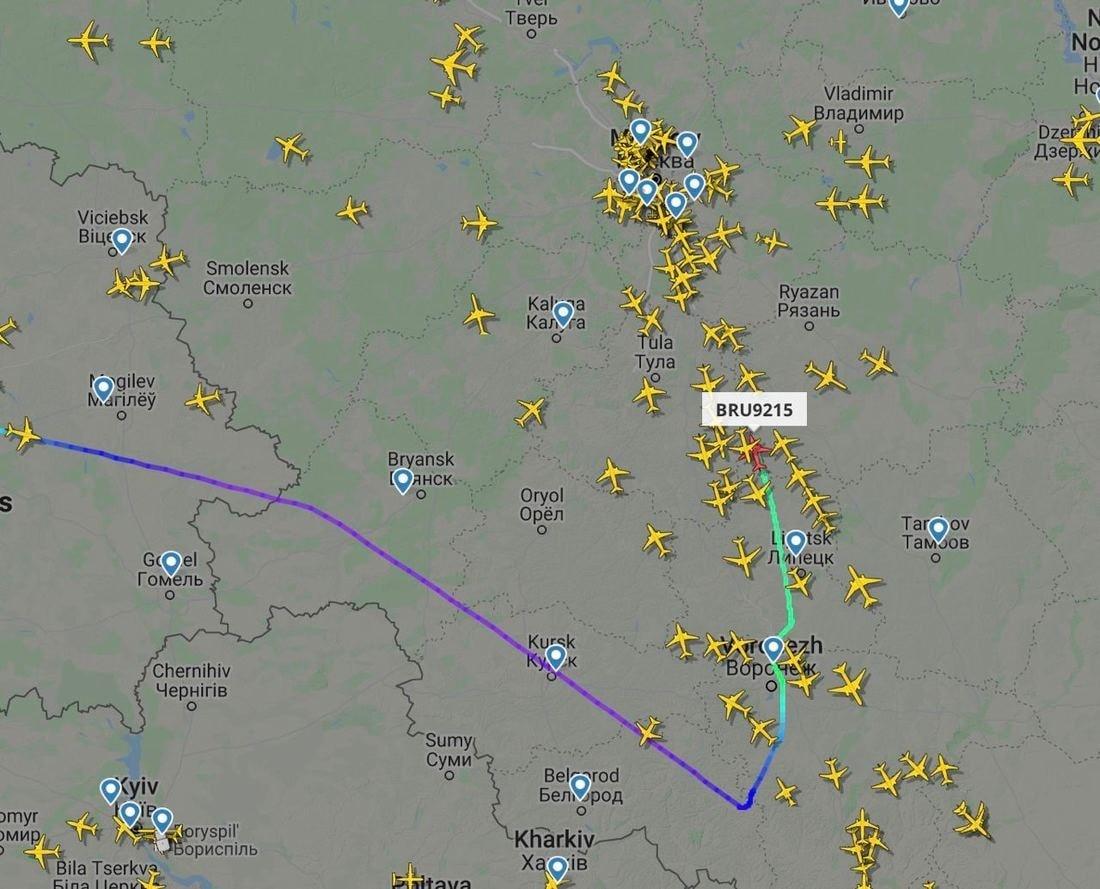 Самолет «Белавиа» Минск — Анталия подал сигнал бедствия и полетел в Москву. СМИ: всему виной перегрев масла в двигателе