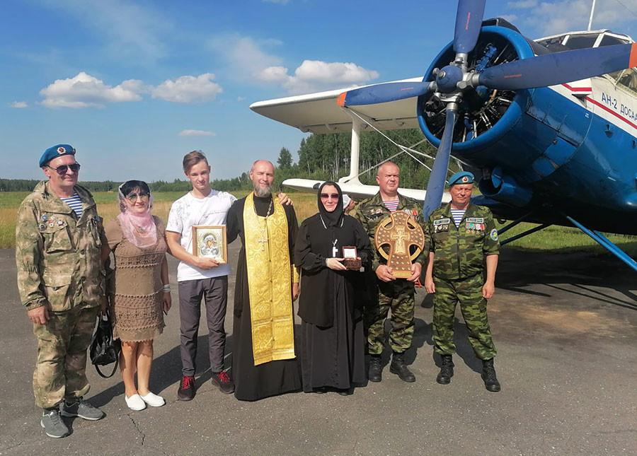 В небе над Бобруйском состоялся традиционный воздушный Крестный ход