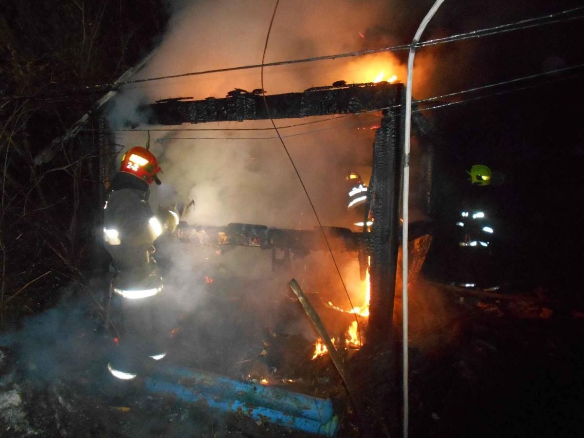 Горели оконная рама, баня и сарай: пожары в Бобруйске и Бобруйском районе за выходные
