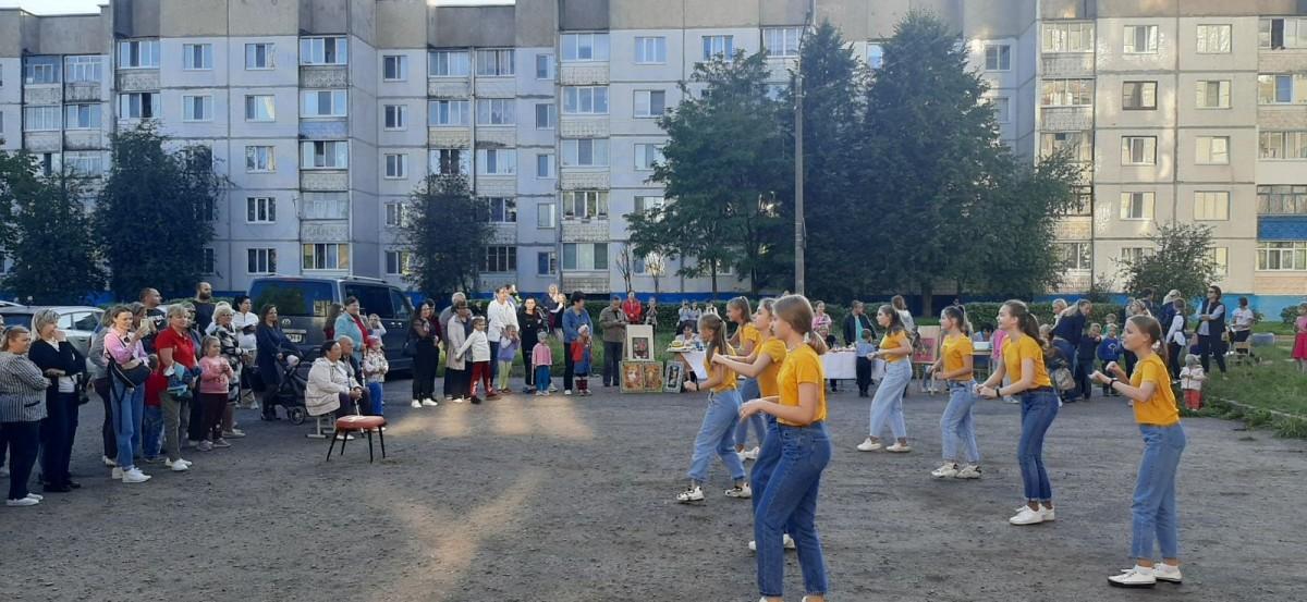 В Бобруйске на площадке клуба «Спутник» состоялся праздник «И снова вместе!»